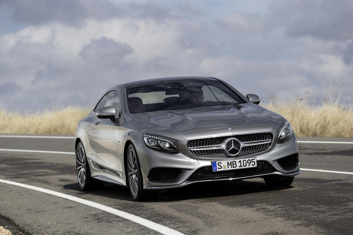 Mercedes-Benz_S-Class_Coupe_2015-27