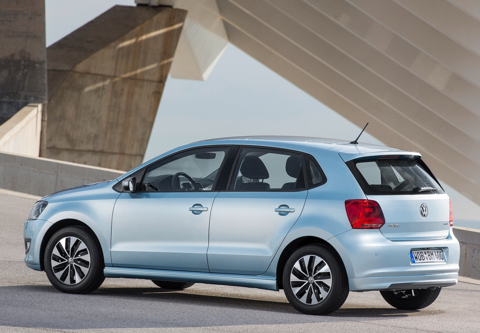 vw-launches-2015-polo-tsi-bluemotion-with-1-liter-turbo-engine_2